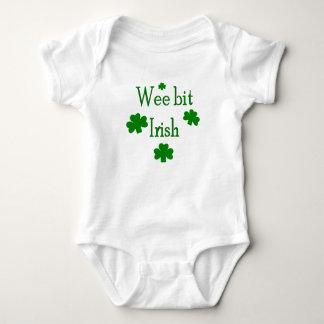 Irlandés pequenito del pedazo body para bebé