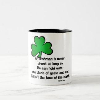 Irlandés que bebe diciendo 4 - taza/Stein Taza De Dos Tonos