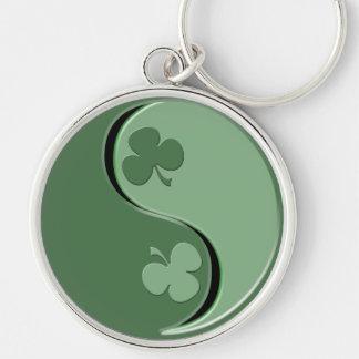 Irlandés YinYang Llavero Redondo Plateado
