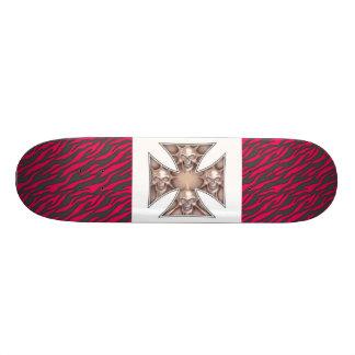 Iron Cross Skull skateboard