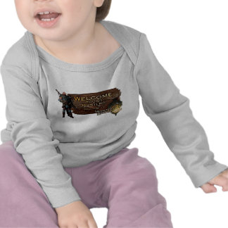 Ironbeard McCullough Welcome young hunters to Mon T-shirts