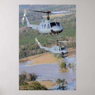Iroquois de UH-1H Posters