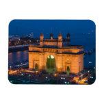 INDIA, Mumbai (Bombay): Gateway of India / Magnet