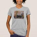 Daikoku it causes, the cat float island shrine T-Shirt