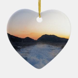 Isla Capri en la puesta del sol Ornamento Para Arbol De Navidad