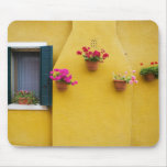 Isla de Burano, Burano, Italia. Burano colorido 3 Tapetes De Ratones