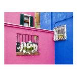 Isla de Burano, Burano, Italia. Burano colorido Postal
