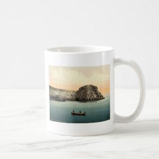 Isla de Busi, cuevas, cl de Dalmacia, Austro-Hungr Taza