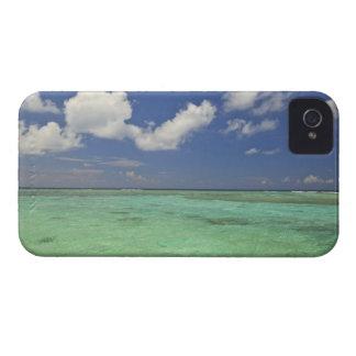 Isla de Funadovilligilli, atolón del norte de iPhone 4 Case-Mate Carcasas