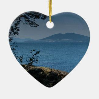 Isla de las orcas adorno navideño de cerámica en forma de corazón