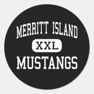 Isla de Merritt - mustangos - alta - isla de Etiqueta Redonda