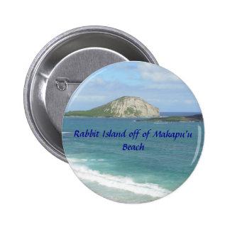 Isla del conejo apagado del botón de la playa de M Pin Redondo De 2 Pulgadas