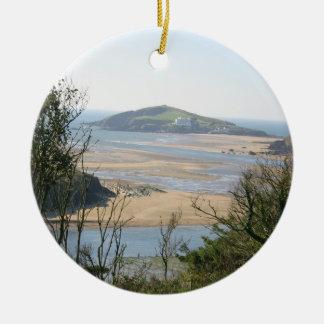 Isla del municipio escocés adorno navideño redondo de cerámica