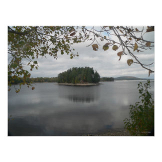 Isla en el poster del lago