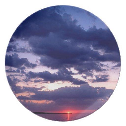 Isla magnífica Michigan de la puesta del sol Plato Para Fiesta