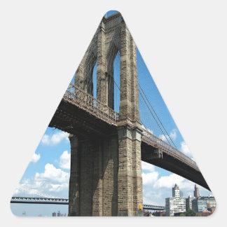 Isla Nueva York de Manhattan del puente de Pegatina Triangular