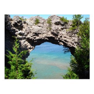 "Isla ""roca de Mackinac del arco "" Tarjetas Postales"