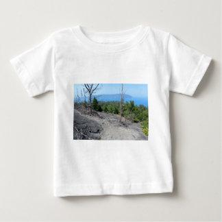 Isla volcánica hermosa de Krakatoa, Java Camisetas