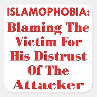 Islamophobia que culpa a la víctima por su pegatinas cuadradases personalizadas