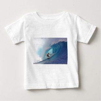 Islas azules grandes de Mentawai de la onda que Playeras