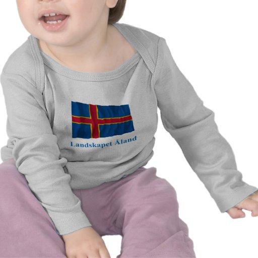 Islas de Aland que agitan la bandera con nombre en Camiseta