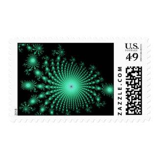 Islas verdes del fractal en el negro - arte sellos postales