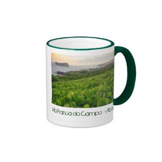 Islote y viñedos taza de café