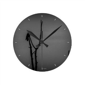 Isolation Round Clock