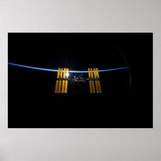 ISS en la salida del sol Posters