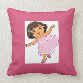 it almofada of girl pillow