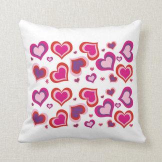it almofada of love throw pillows