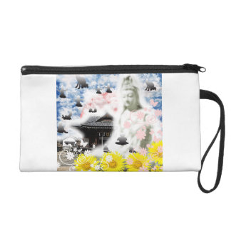 It is as for the firewood the ru wristlet clutch