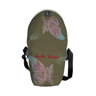 It practices, versatile and beautiful messenger bag