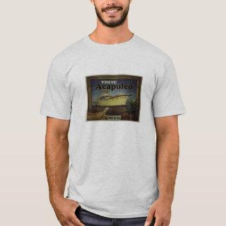 It visits Acapulco by Dëê & Co T-Shirt