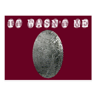 It wasn't me in red postcard