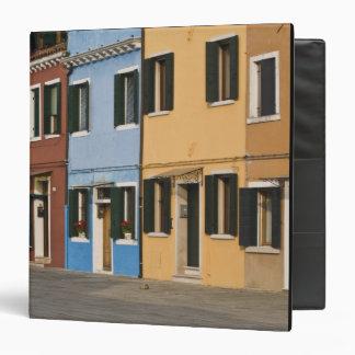 """Italia, Burano. La fila colorida de hogares y vaci Carpeta 1 1/2"""""""