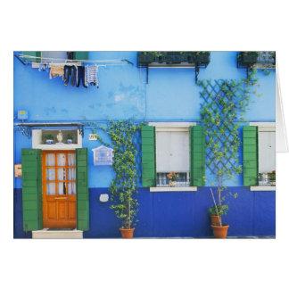 Italia, Burano. Una casa colorida en Burano cerca Tarjeta De Felicitación