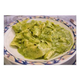 Italia, Camogli. Placa de las pastas con pesto Cojinete