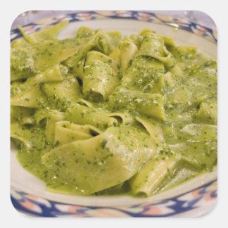 Italia, Camogli. Placa de las pastas con pesto Pegatina Cuadrada