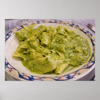 Italia, Camogli. Placa de las pastas con pesto Póster