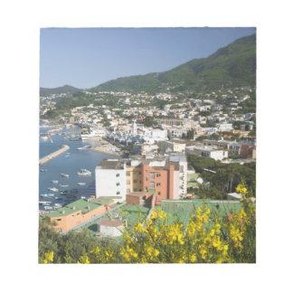 ITALIA, Campania, (bahía de Nápoles), ISQUIONES, L Bloc De Notas