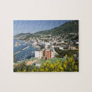ITALIA, Campania, (bahía de Nápoles), ISQUIONES, L Rompecabezas