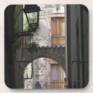 Italia, Cerdeña, Bosa. Detalle de la calle Posavasos
