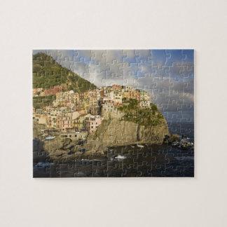 Italia, Cinque Terre, Manarola. Pueblo en el acant Puzzles