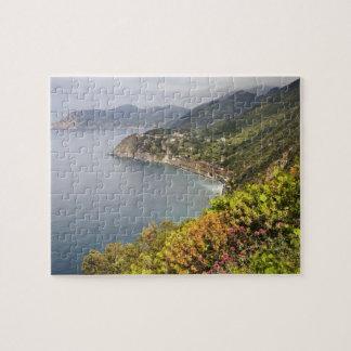 Italia. Coastal que camina área entre los pueblos Rompecabeza