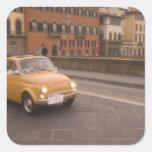 Italia, Florencia. Fiat 800 cruces Arno de la Pegatina Cuadrada