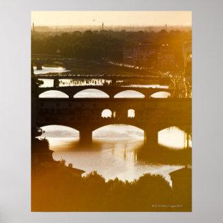Italia, Florencia, Ponte Vecchio y el río Arno en Póster
