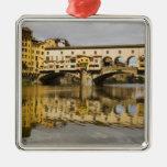 Italia, Florencia, reflexiones en el río Arno Adorno Navideño Cuadrado De Metal