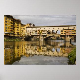 Italia, Florencia, reflexiones en el río Arno Póster