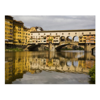 Italia, Florencia, reflexiones en el río Arno Postales